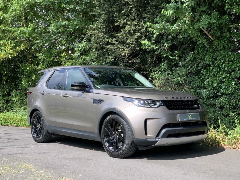 Land Rover Discovery HSE Black Pack 7 seats 2017 (17)