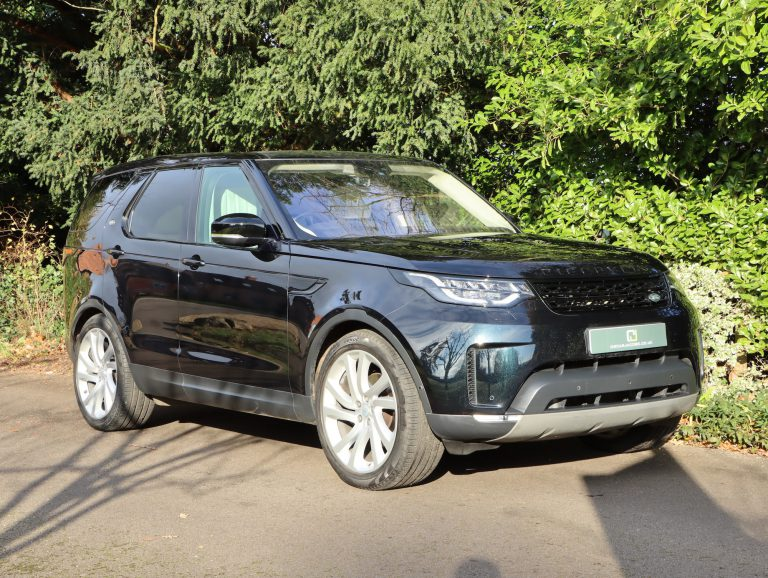Land Rover Discovery 1st Edition 7 seats 2017 (17)
