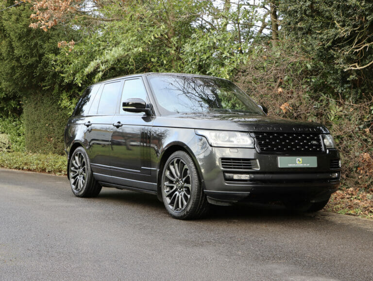 Range Rover Vogue SE 4.4 SDV8 with Executive Rear Seat Pack 2013 (62)