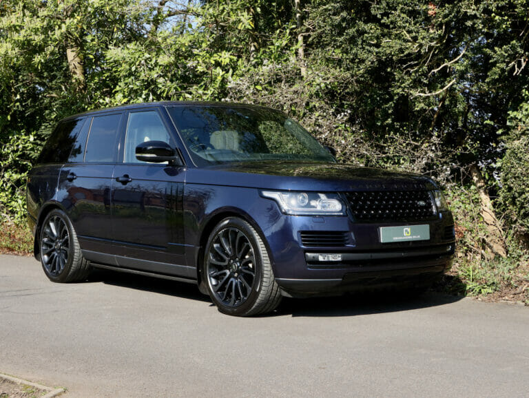 Range Rover Autobiography SDV8 with Black Pack 2017 (17)